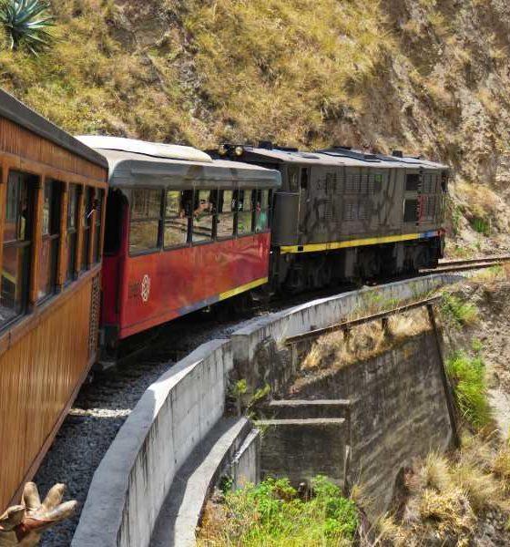 Trem Nariz del Diablo: natureza, cultura e emoção pelo Equador andino