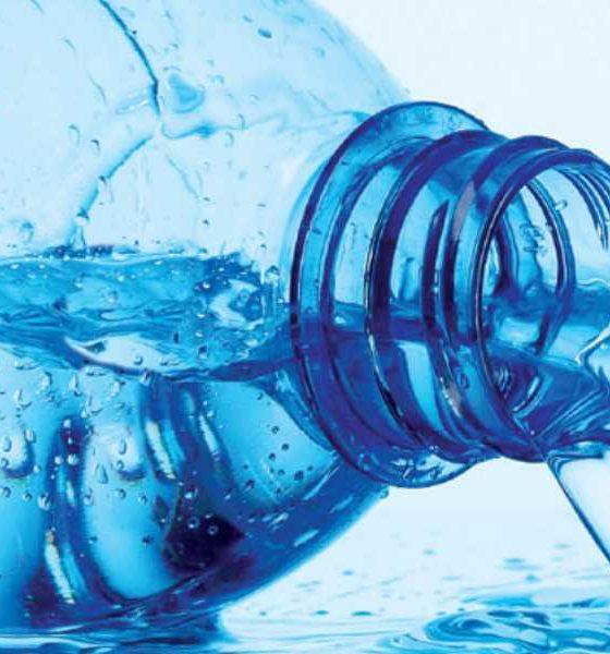 Água: mate a sede sem pagar os altos preços dos restaurantes e aeroportos